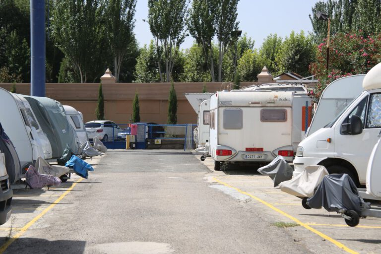 Parking for caravans and motorhomes in Madrid by Comercial Caravaning
